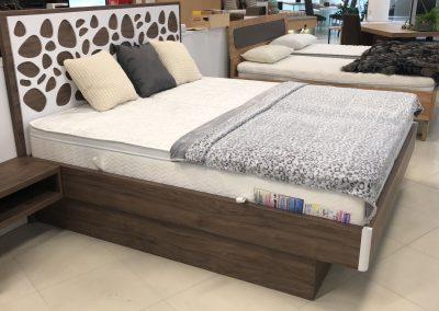 posteľ EMA