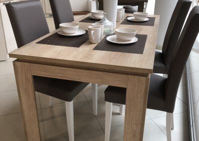 stôl s presahom luby