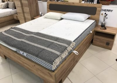 posteľ Chery